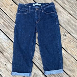Levi's rolled cropped jeans